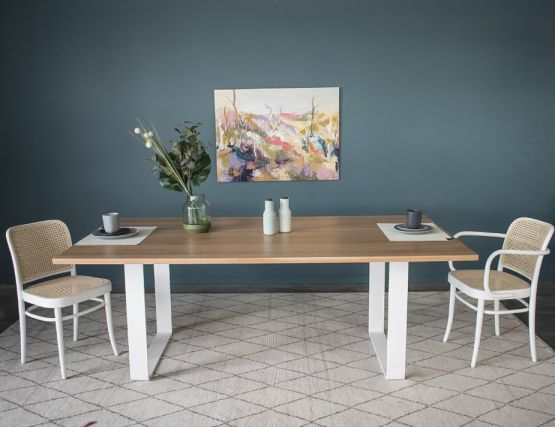 White Odense_Table
