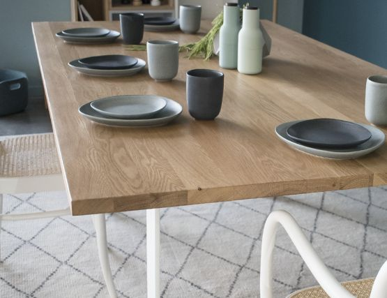 White SOlid_Oak_table